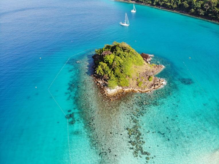Šnorchlovací ostrovček pir Koh Rang