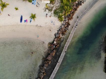 Pohľad na pláž pri Baan Bua