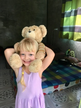 Coffeat izbička a teddybear