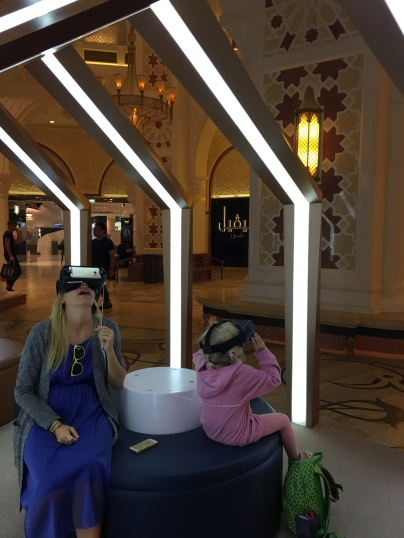 VR okuliare v Dubai Mall