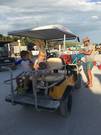 Holbox - golfcart taxi